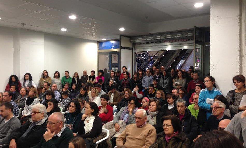 Presentación del libro solidario MARA, QUE SUEÑA DENTRO DEL ESPEJO